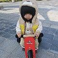 【Linda媽】- Kinderfeets 美國木製平衡滑步車─小貝拉的聖誕節禮物