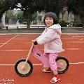 【Shanti媽】- Kinderfeets美國木製平衡滑步車。在玩樂中練習平衡與勇氣
