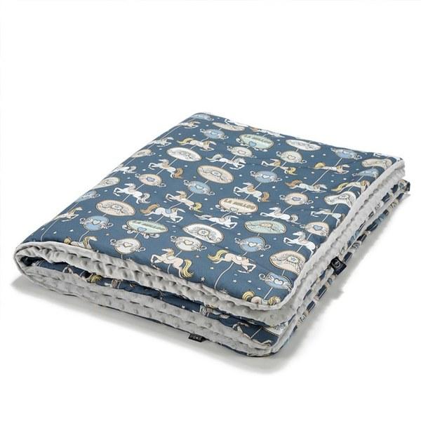 La Millou 暖膚豆豆毯-旋轉小木馬(藍底)-牛奶星空灰