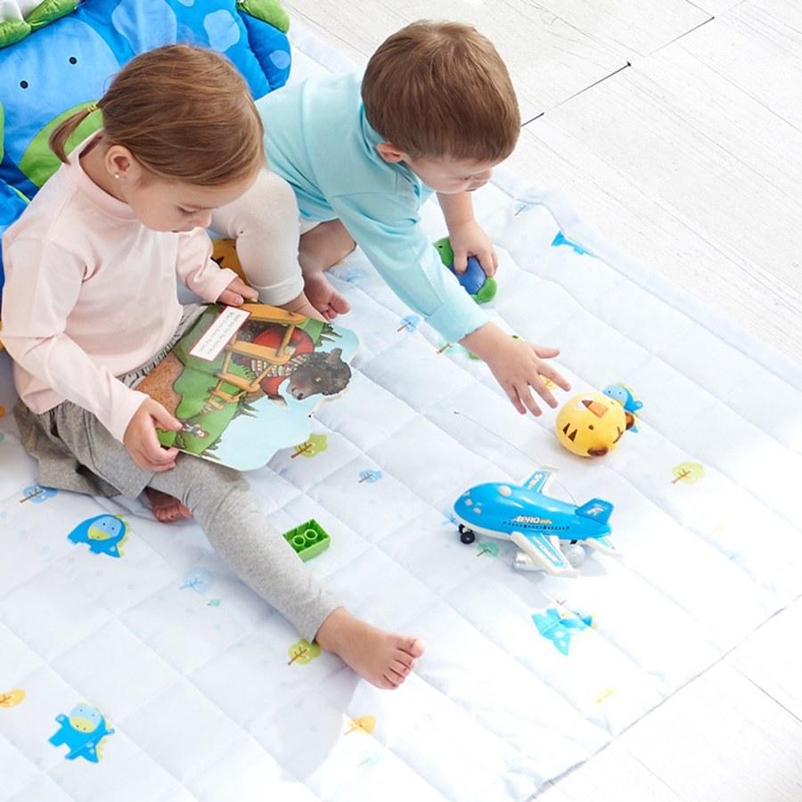 Milo&Gabby 兒童天絲床墊(藍色樹林)