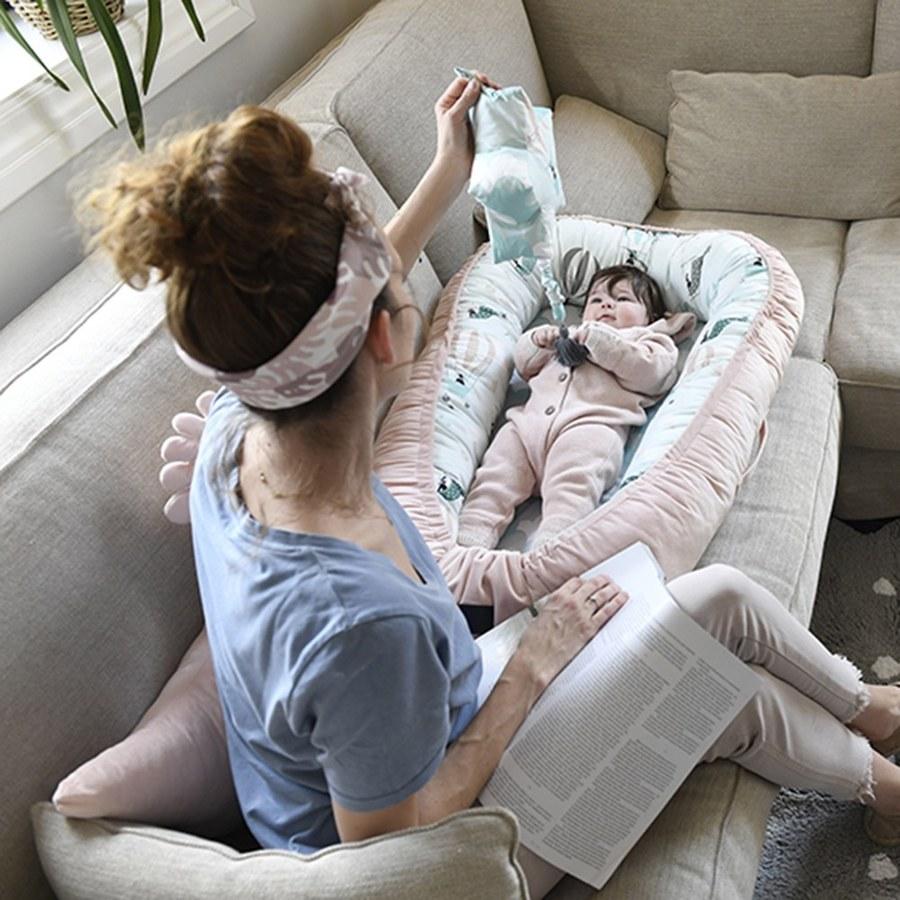 La Millou Velvet頂級棉柔系列-嬰兒睡窩/床-瑜珈珈樹懶(舒柔嫩粉)